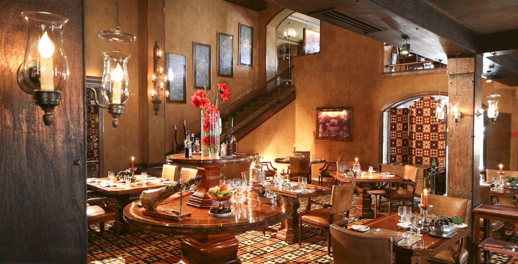 Goûtez à l'ambiance sophistiquée du Four Seasons Restaurant Grill