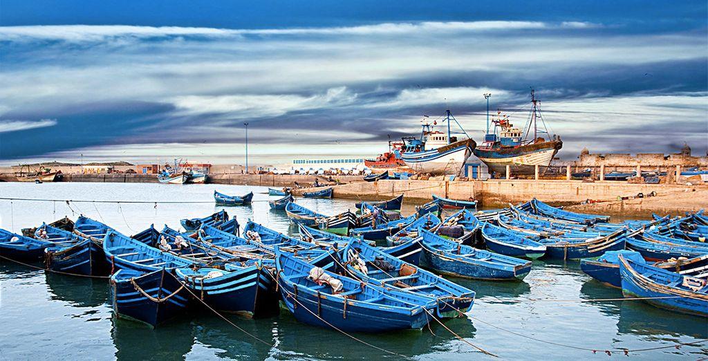 Vous prendrez ensuite la route direction de la région d'Essaouira pour découvrir les petits ports de pêche...