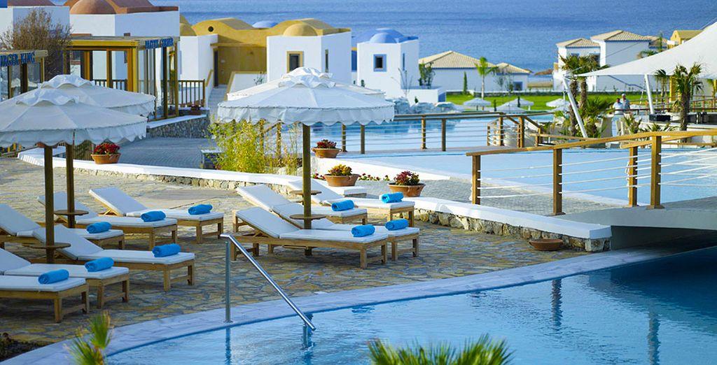 H tel mitsis blue domes resort spa 5 voyage priv for Reve bleu piscine