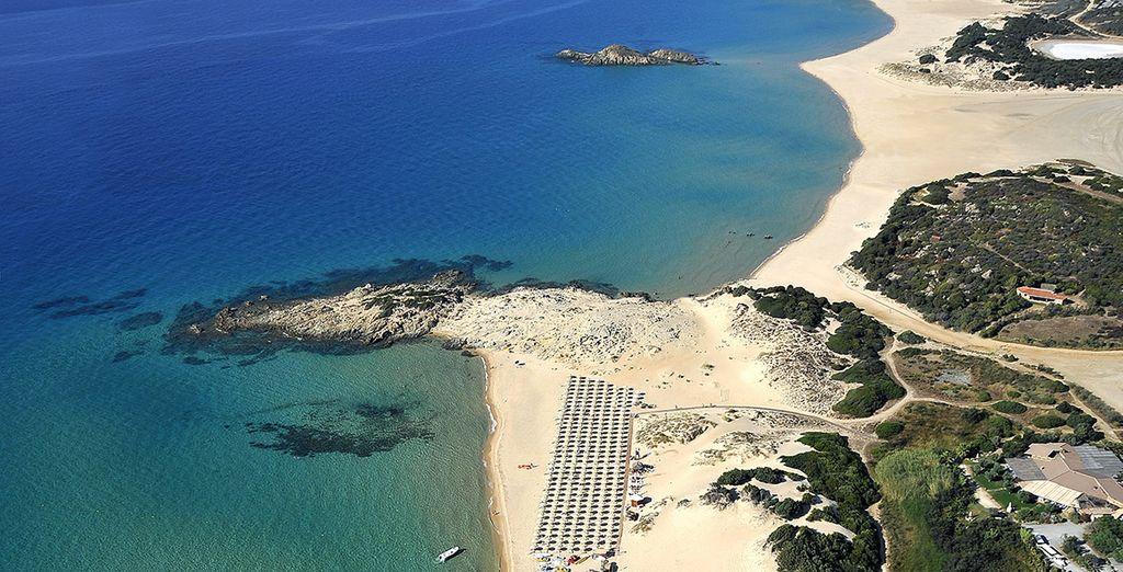 Le long d'une magnifique plage, le Chia Laguna Resort vous accueille...