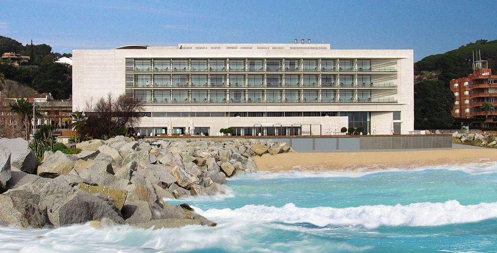 Posez vos valises dans un hôtel 4* situé en bord de plage - Hôtel Colón Thalasso Termal 4* Caldes d'Estrac