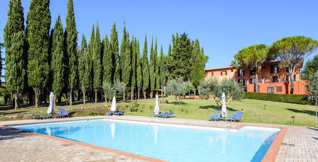 ... possédant de belles piscines...