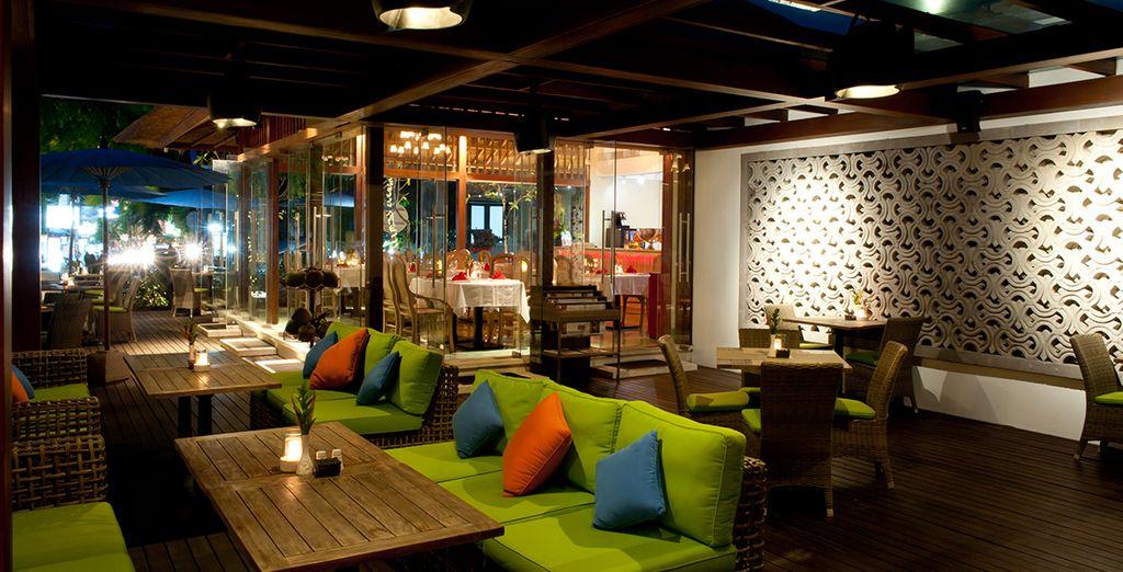 Ainsi que ses équipements luxueux, tels le restaurant...