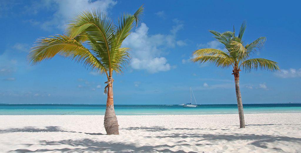 Et plages de sable blanc