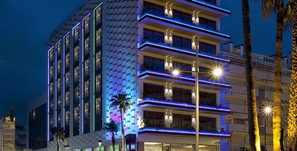 Et installez-vous à l'hôtel Sofia Avenida