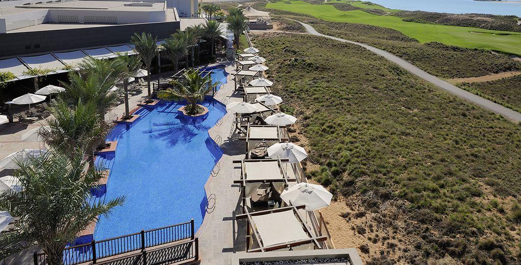 Envolez-vous pour l'hôtel 4* Radisson Blu Abu Dhabi Yas Island