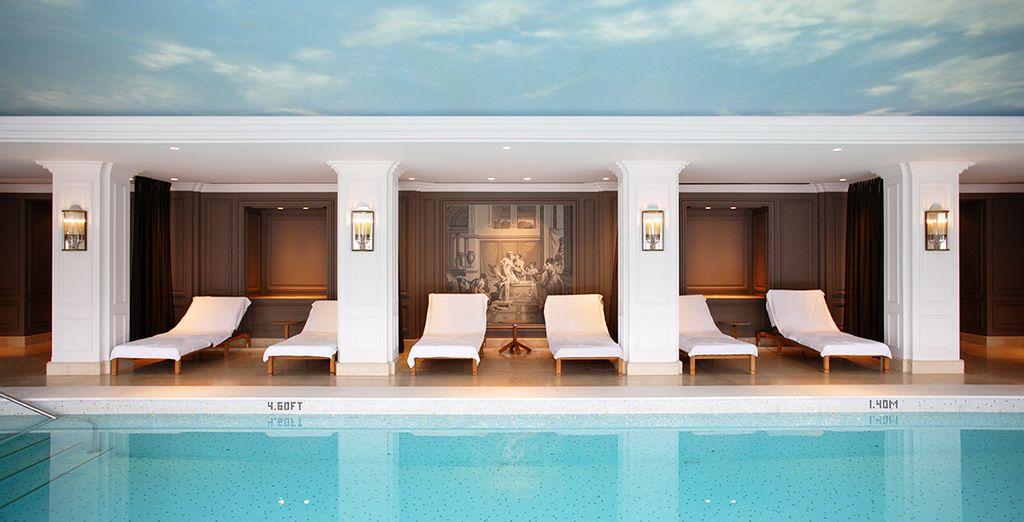Besoin de vous détendre ? La piscine intérieure chauffée sera votre meilleur allié pour cela...