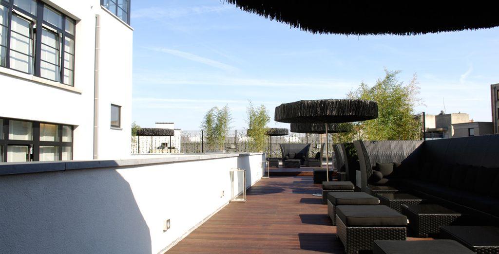 Et profitez de la jolie terrasse pour prendre un peu le soleil