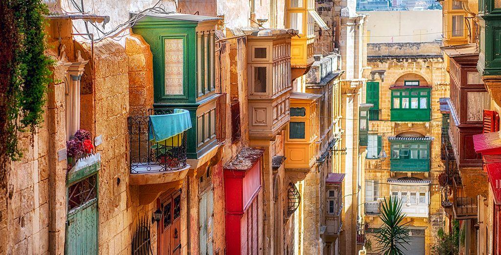 Perdez-vous dans les ruelles colorées de l'île