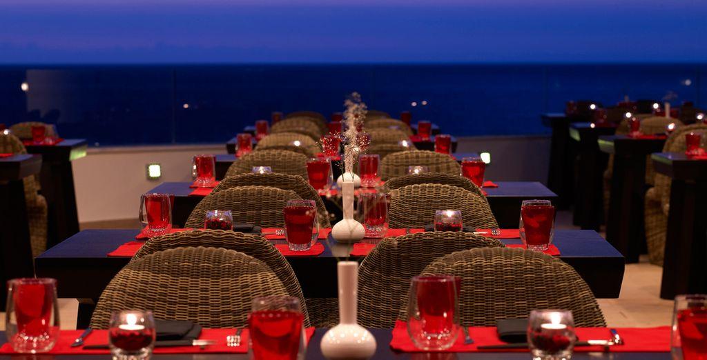 Appréciez la vue depuis le restaurant...