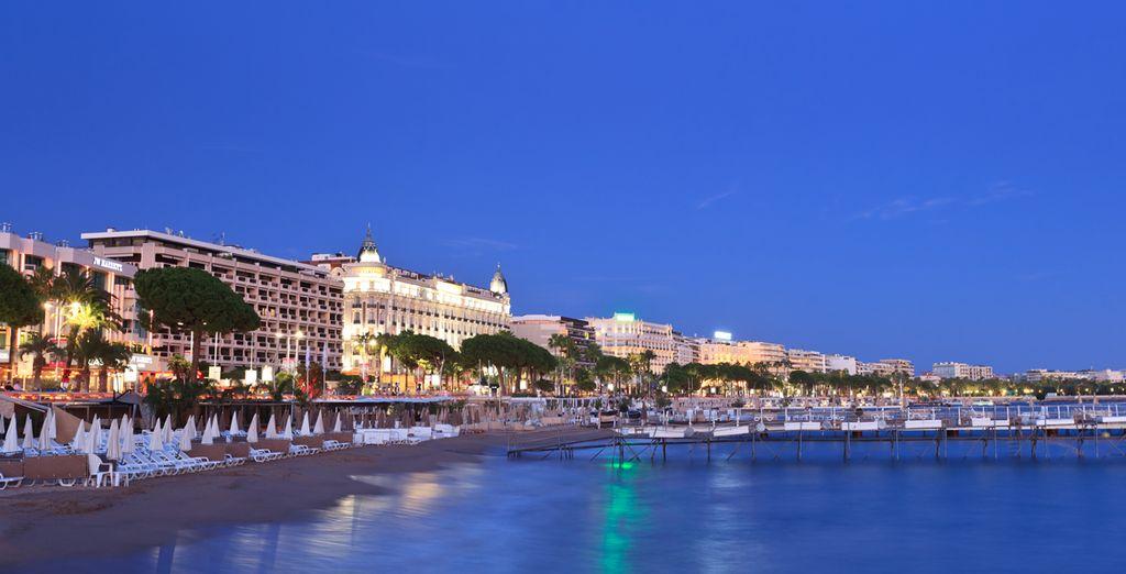 Prenez place à deux pas de la Croisette, en front de mer, à l'Eden Hotel & Spa