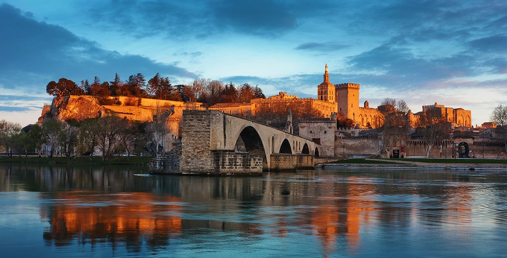 Et à 30 km découvrez Avignon