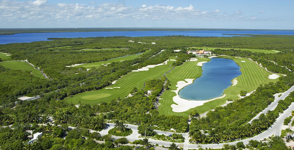 Le golf 18 trous adjacent vous offrira un panorama merveilleux