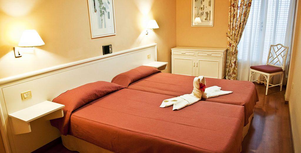 Séjournez en confortable Junior Suite parfaitement aménagée et équipée pour une détente totale