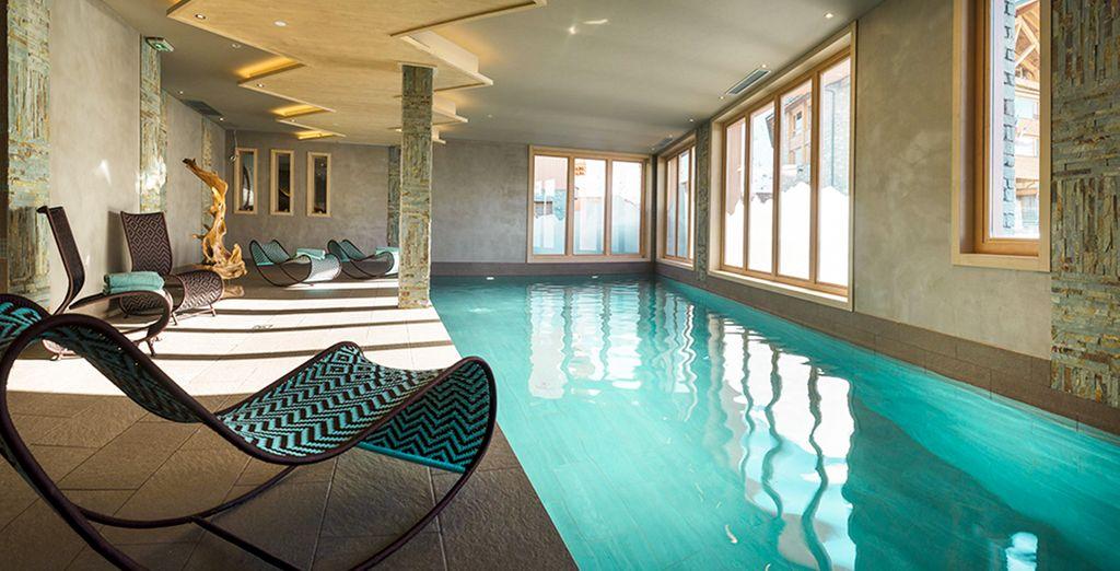 Après une journée de ski, venez vous détendre dans la piscine intérieure
