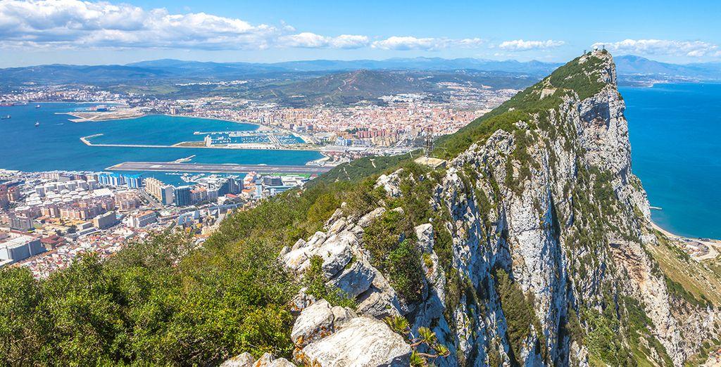 Sans oublier de longer le détroit de Gibraltar...