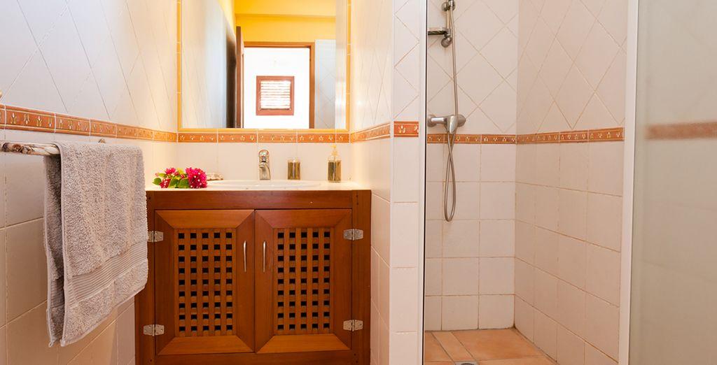 Votre villa bénéficie en outre de 3 salles de bain !