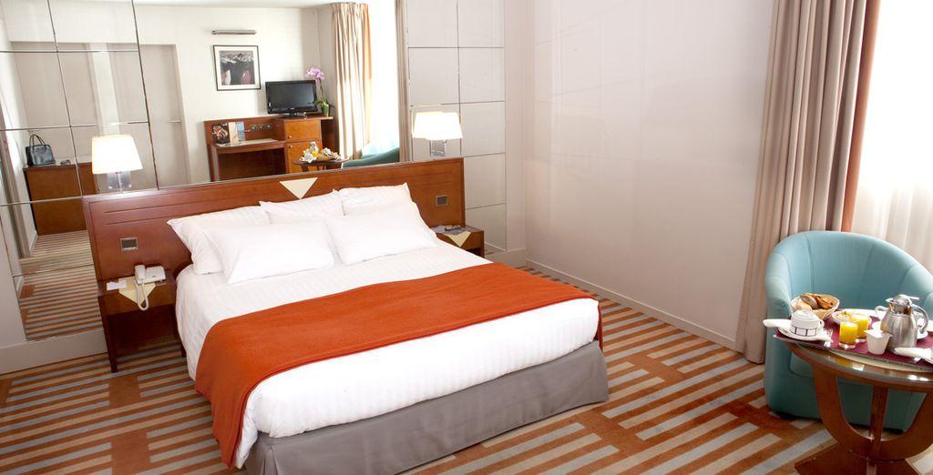 Décorées dans un esprit Art Déco, les chambres se distinguent par leur espace et leur luminosité