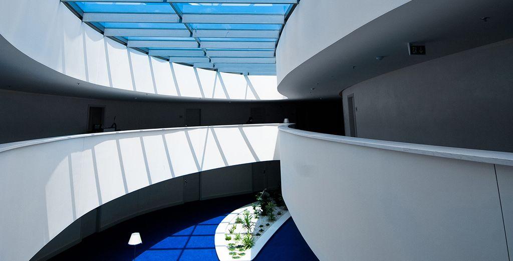 Ce somptueux hôtel design vous accueille pour un séjour de rêve
