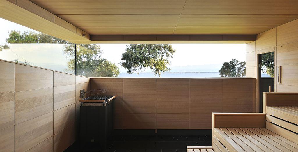 En passant par le sauna...
