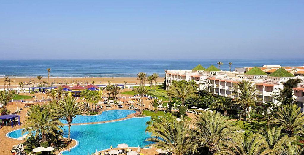 Rejoignez l'Iberostar Founty Beach face à l'Océan et tout près du centre d'Agadir...