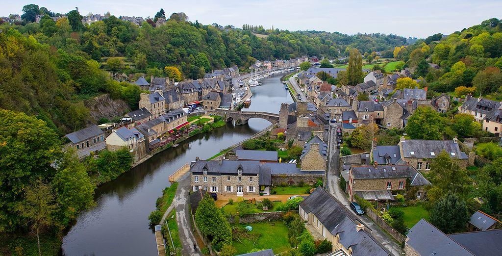 Faites un détour par les villages bretons pittoresques aux alentours...