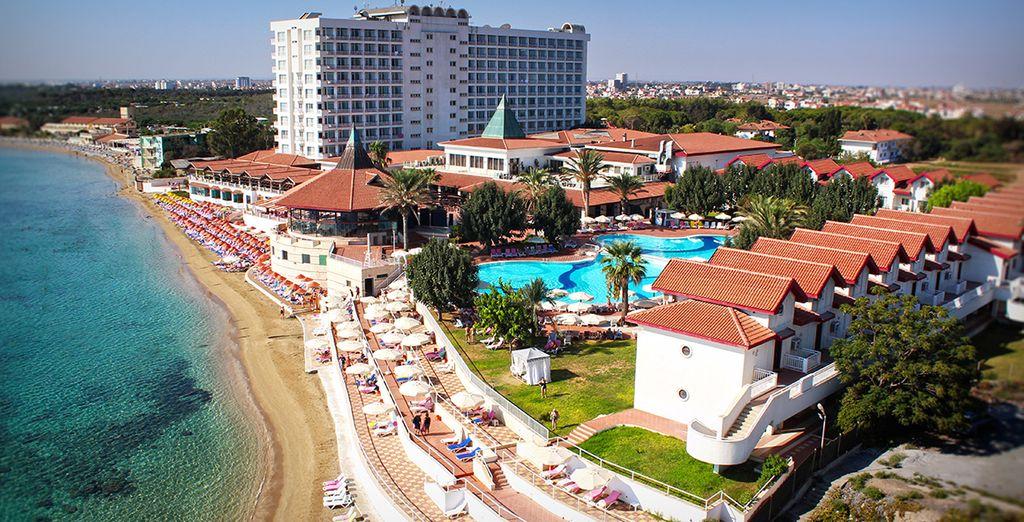 Le Salamis Bay Conti Resort Hotel & Casino 5* vous ouvre ses portes