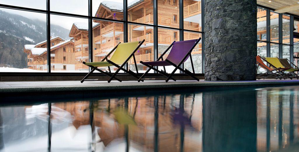 Une piscine intérieure pour se détendre...