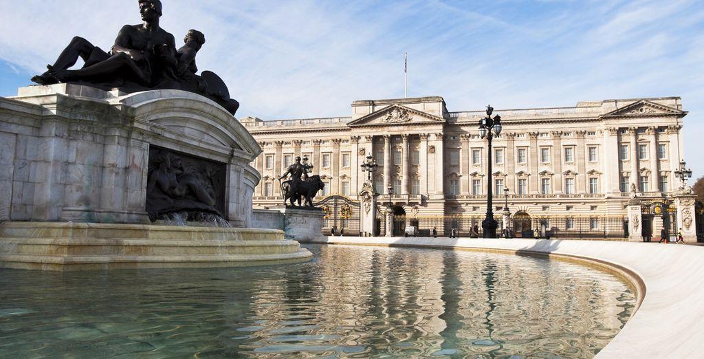 Et parcourez la capitale, de Buckingham Palace...