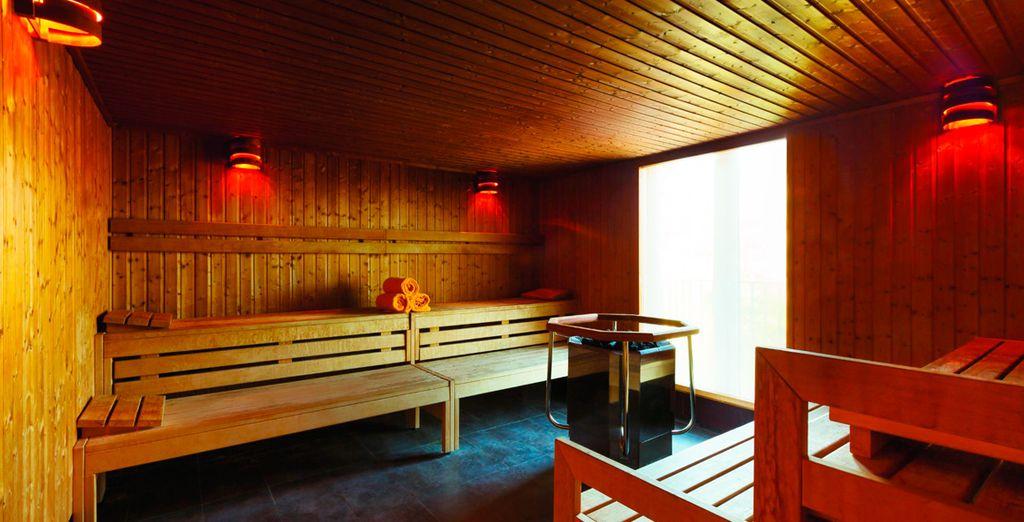Dans la chaleur exquise du sauna