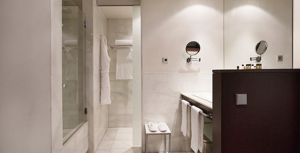 Equipées de leur spacieuse salle de bain