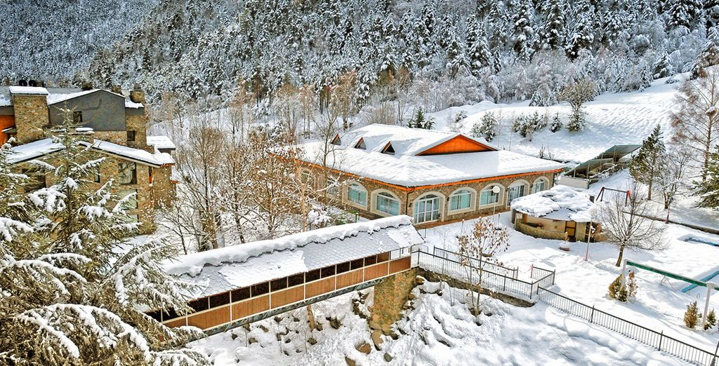L'hôtel revêt son plus beau manteau de neige en hiver...