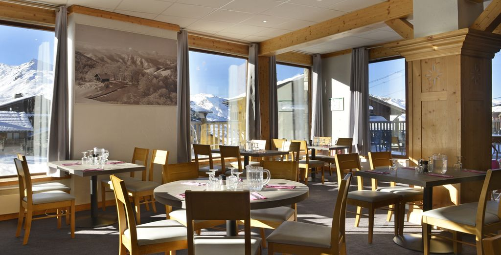 Hôtel-Club MMV Les Arolles Village Vacances 4*