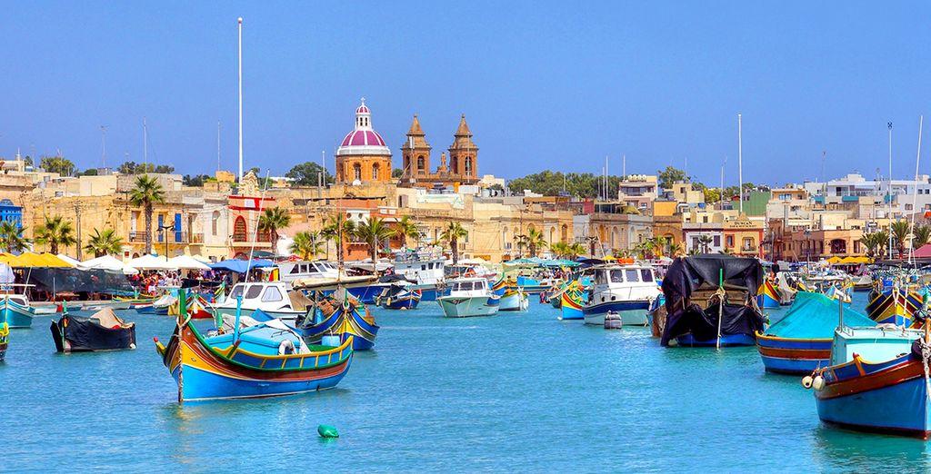 Photographie de la ville de Malte et de son port coloré