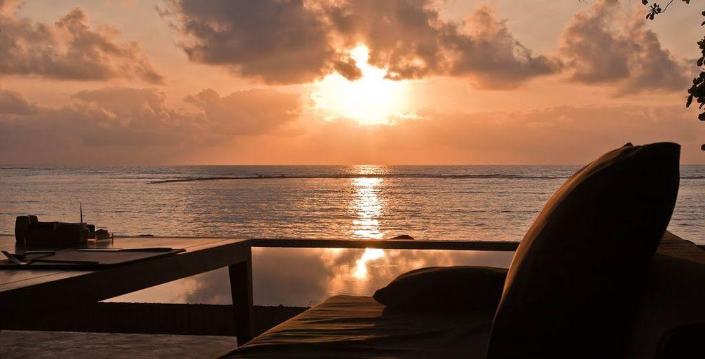 En admirant le délicieux spectacle du coucher de soleil