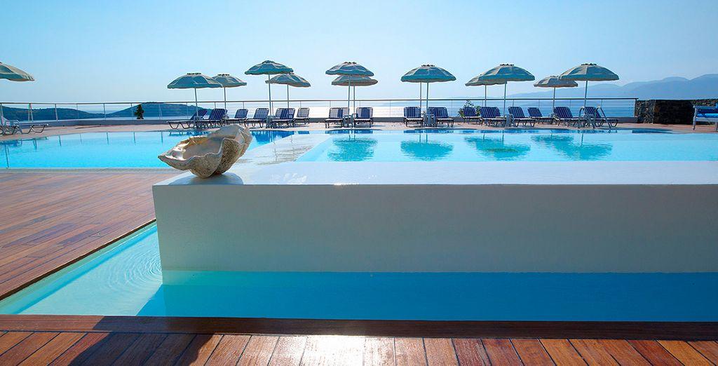 Plongez dans la piscine d'eau douce... - Hôtel Elounda Ilion 4* Elounda