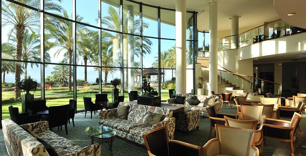Dès le lobby, le ton sera donné : charme et confort seront le fil rouge de votre séjour