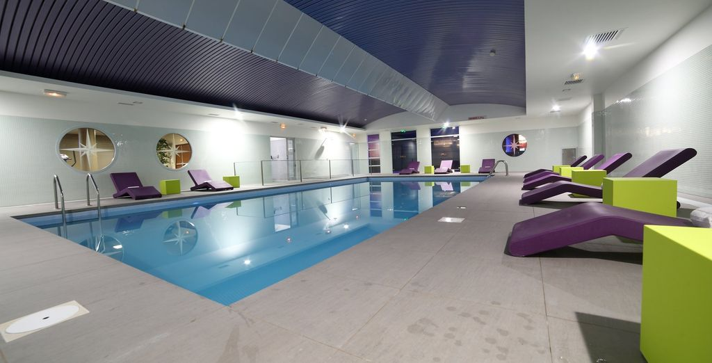 Une fois installé dans votre chambre, rendez-vous dans la piscine couverte