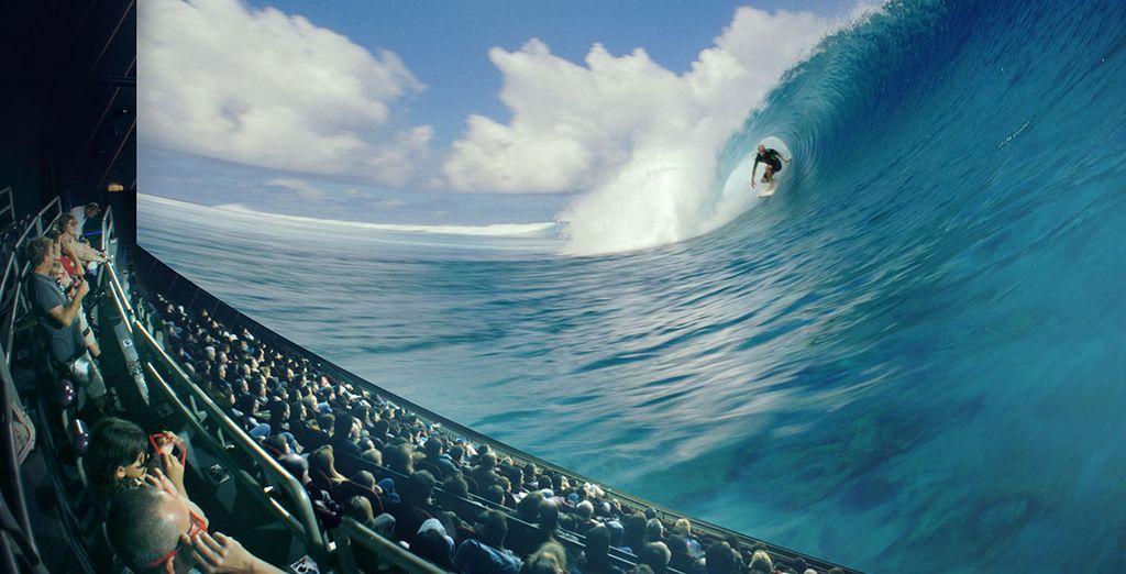 Ou apprenez à surfer avec Tahiti Extrême...