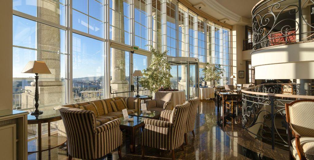 Détendez-vous dans les charmants espaces communs de l'hôtel ...