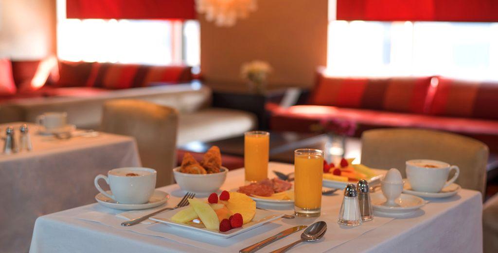 Et vous commencerez la journée autour d'un délicieux petit-déjeuner