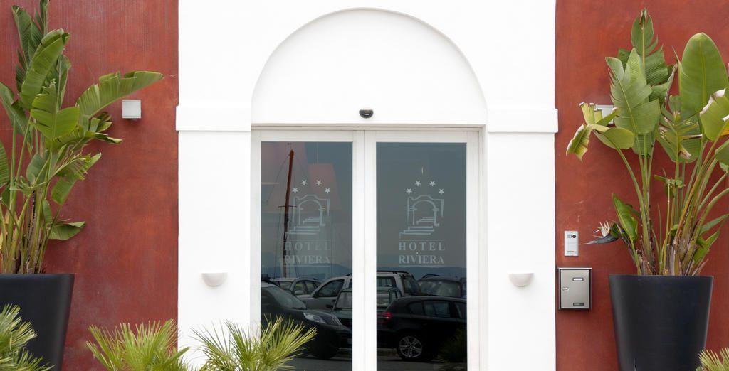 Poussez les portes d'un ravissant hôtel niché au cœur du village de Carloforte