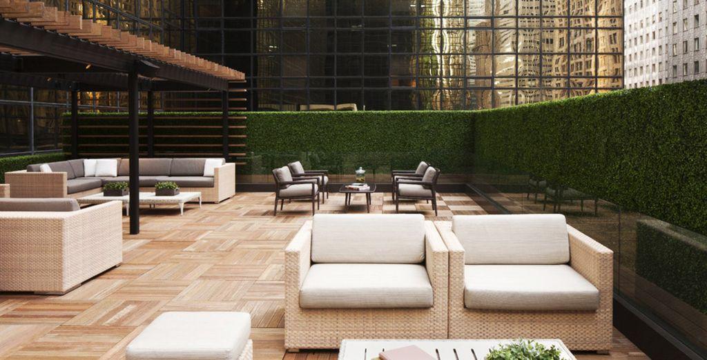 Détendez-vous sur la terrasse en saison