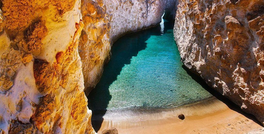 Séjour combiné 2 îles: Santorin et Milos en hôtels 3* ou 4*