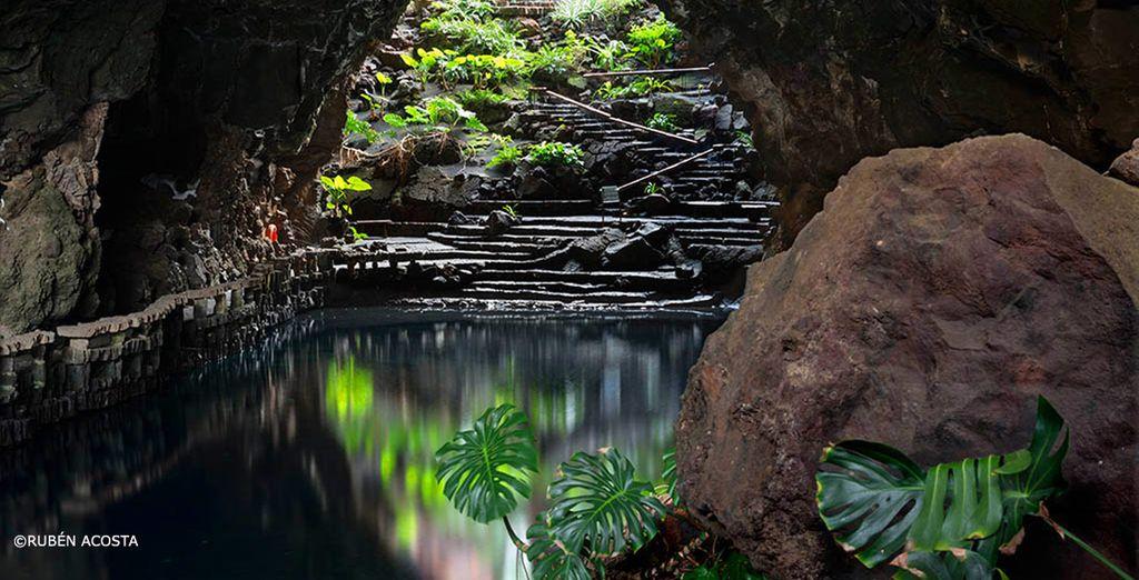 Préparez-vous à être émerveillé par les beautés de Lanzarote... comme Jameos del Agua - Séjour Mystère 5* à Lanzarote Lanzarote