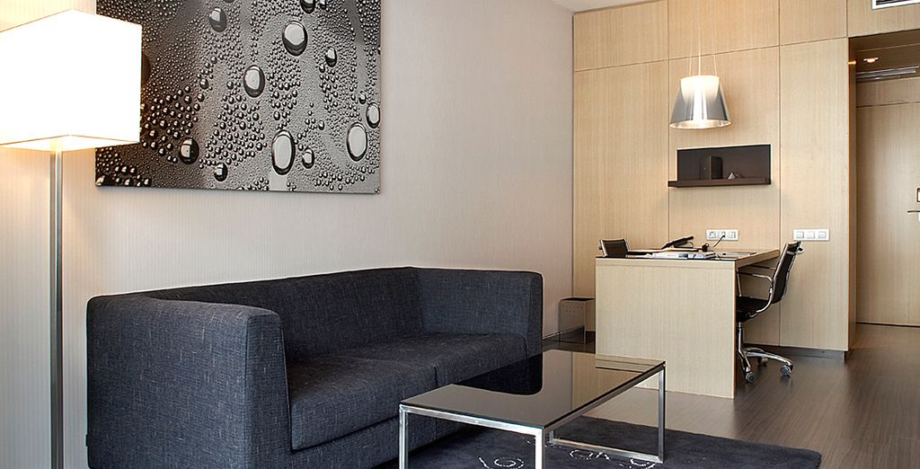 Vous vous sentirez comme chez vous dans ce bel espace contemporain d'environ 45 m²...