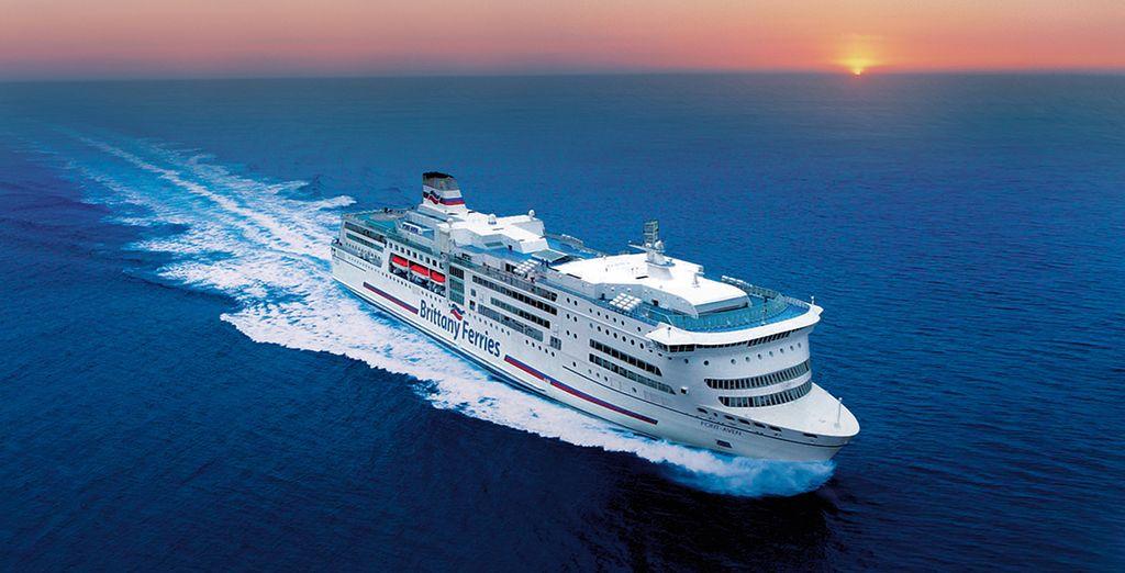 Plongez dans l'ambiance des navires de croisières avec une traversée divertissante à bord de la compagnie Brittany Ferries - Holiday Inn Kensington Forum 4* avec traversée Brittany Ferries Londres