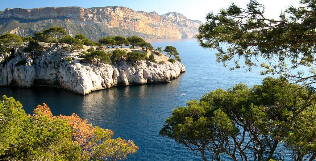 Partez explorer les célèbres Calanques de Marseille