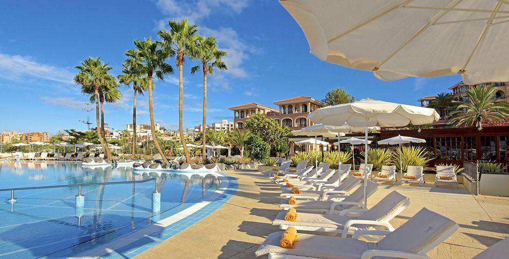 Imaginez-vous sur ces chaises longues, profitant du généreux climat des Canaries...