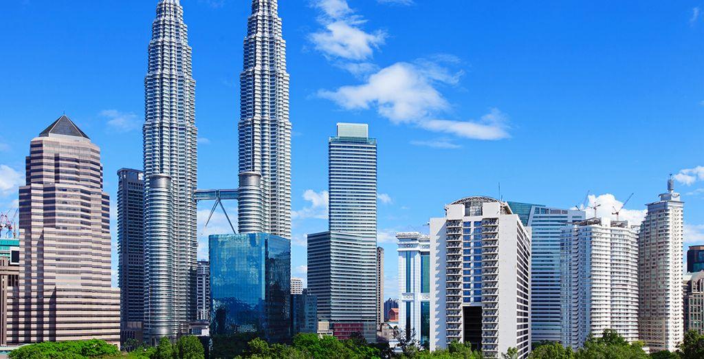 Direction Kuala Lumpur en Malaisie d'où démarre votre circuit !